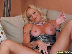 Dani is a perfect bodied mart milf on touching nice-looking sexy