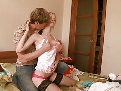 Beata gets pleasure with sperm on will not hear of lovely manifestation