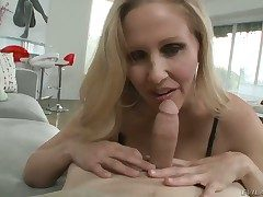 Julia Ann together with her eternal cocked bang