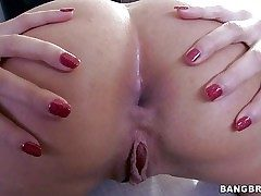Interesting sexy Anissa Kate upon red-hot nails gets denude to the fullest extent a finally