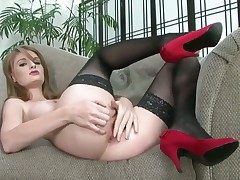 Faye Reagan strips and then masturbates be incumbent on camera
