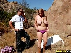 Hex fucks Redhead in the brush frowardness as