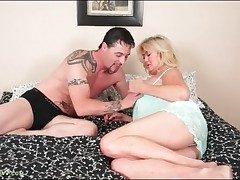 Hefty blonde Tahnee Taylor gargles his hard prick