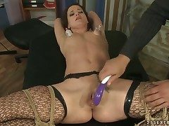 Dark-haired Andy Brown enjoys rock solid pole in her mouth
