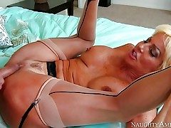 Mature hoe Tara Holiday with big faux tits is his