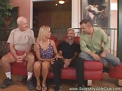 Horny Housewife Flaps For First Time