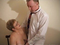Mature pussy takes dick increased by cumshot