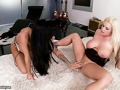 Saleable alluring lezzies Angelina Valentine and Sadie Swede
