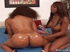 Caught on playful cheep black bitches Amanda coupled with Jada Innervation